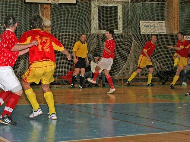 Futsalisté doma rozdrtili Kladno 15:3.