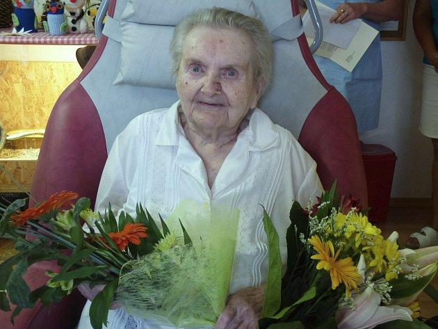 STOLETÁ  Hermína Kazdová byla v pondělí ve výborné náladě.