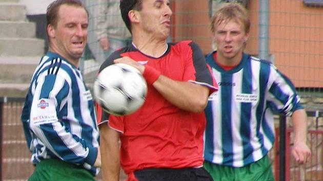 Spartak v krajském přeboru už dvakrát prohrál. Naposledy dostal doma výprask od Semic 2:6.