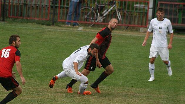 Zápas krajského přeboru Spartak Příbram - Hřebeč 2:3 po pen.