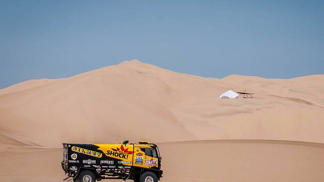 Macíkovi z Brabce se v osmé etapě Dakaru opět dařilo