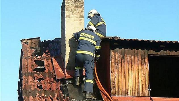 Požár dílny a skleníku v Dalekých Dušníkách.