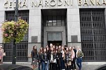 Březničtí studenti získávali vědomosti v České národní bance.