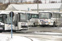 Autobusové stanoviště v Příbrami. Ilustrační foto.