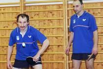 V utkání Rožmitál B - Chraštice (12:6) nastoupili za domácí do čtyřhry Miloš Dropa a Miloš Zvelebil.