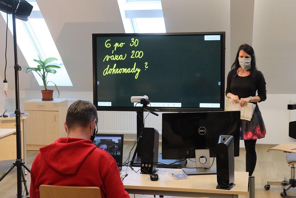 Z on-line výuky matematiky na Základní škole v Milíně.