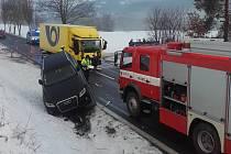 Dopravní nehoda na silnici I/18 u Hrachova na Sedlčansku.
