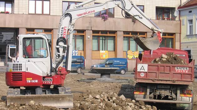 Rekonstrukce náměstí v Březnici.