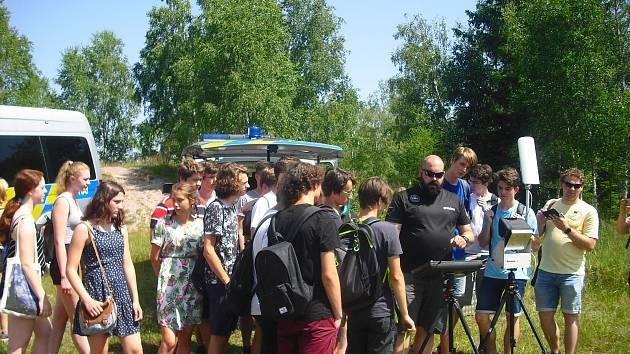 Studenti z Kladna navštívili příbramské policisty.