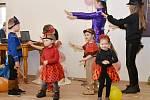 V programu karnevalu byly především soutěže, ale malí návštěvníci se vyřádili i při tanci.