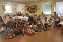 Děti z Bedny znovu zavítaly do Domova seniorů Maják.