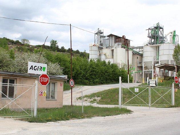 Zdá se, že napjaté vztahy mezi provozovatelem lomu Skoupý a obcí jsou už minulostí.