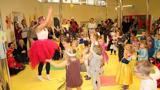 Pohádkový karneval v Rodinném centrum Korálek.