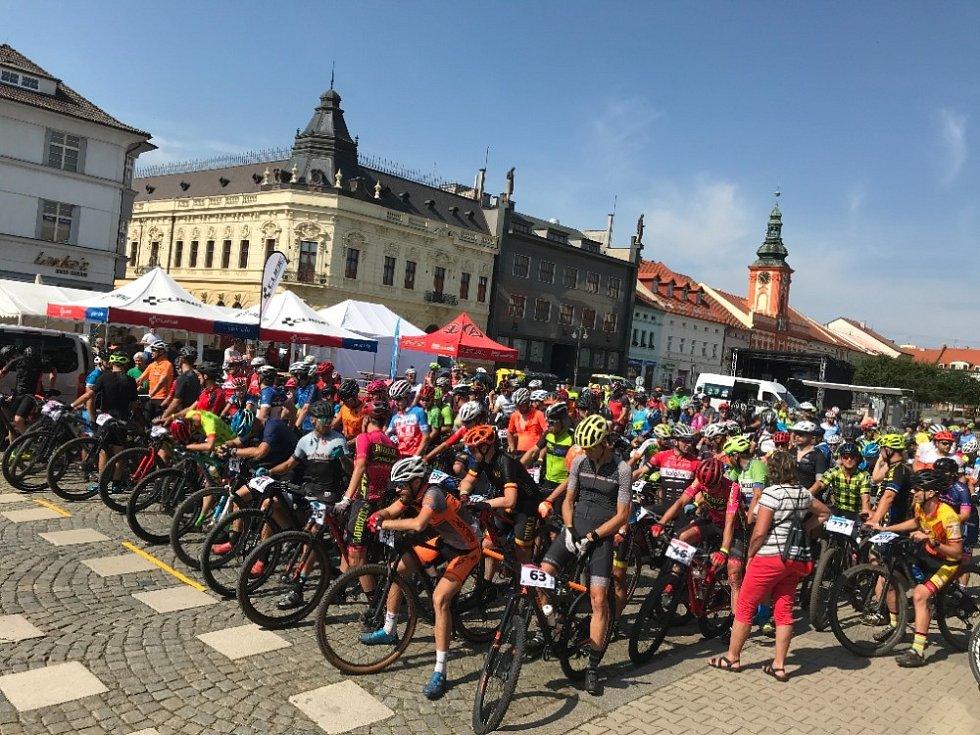 Magnetem nedělního cyklistického programu byl MTB závod.