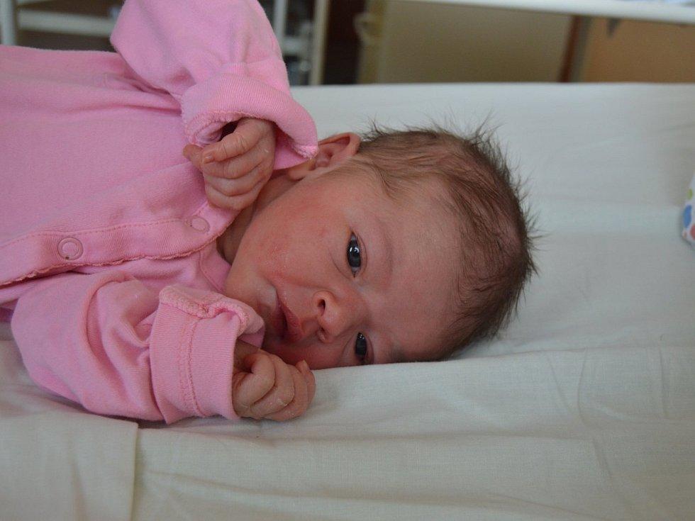 ANETA MOUČKOVÁ, MUTĚJOVICE. Narodila se 19. června 2019. Po porodu vážila 3,1 kg a měřila 48 cm. Rodiče jsou Martina a Michal.