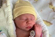ELIŠKA HURTOVÁ, RAKOVNÍK. Narodila se 13. listopadu 2019. Po porodu vážila 2,9 kg a měřila 49 cm. Rodiče jsou Michaela a Tomáš.