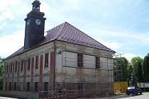 Rekonstrukce radnice v Čisté