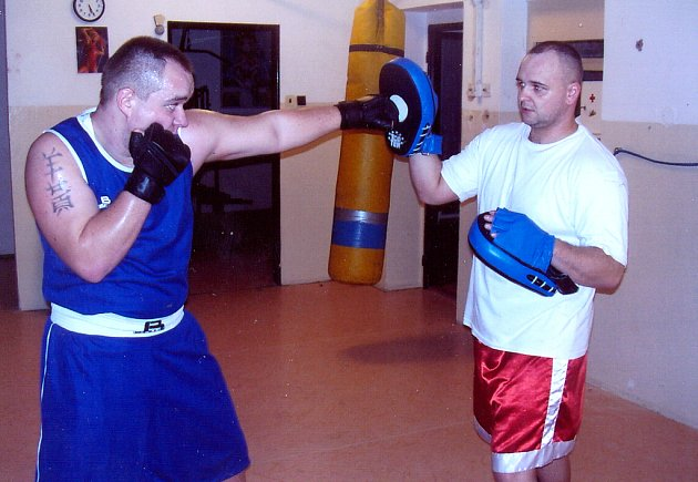 Petr Truksa (vlevo) na tréninku s trenérem Radkem Červeným.