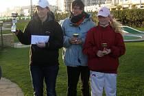 Zleva Jo Williamson, Ruth Bullin a Olivia Prokopová