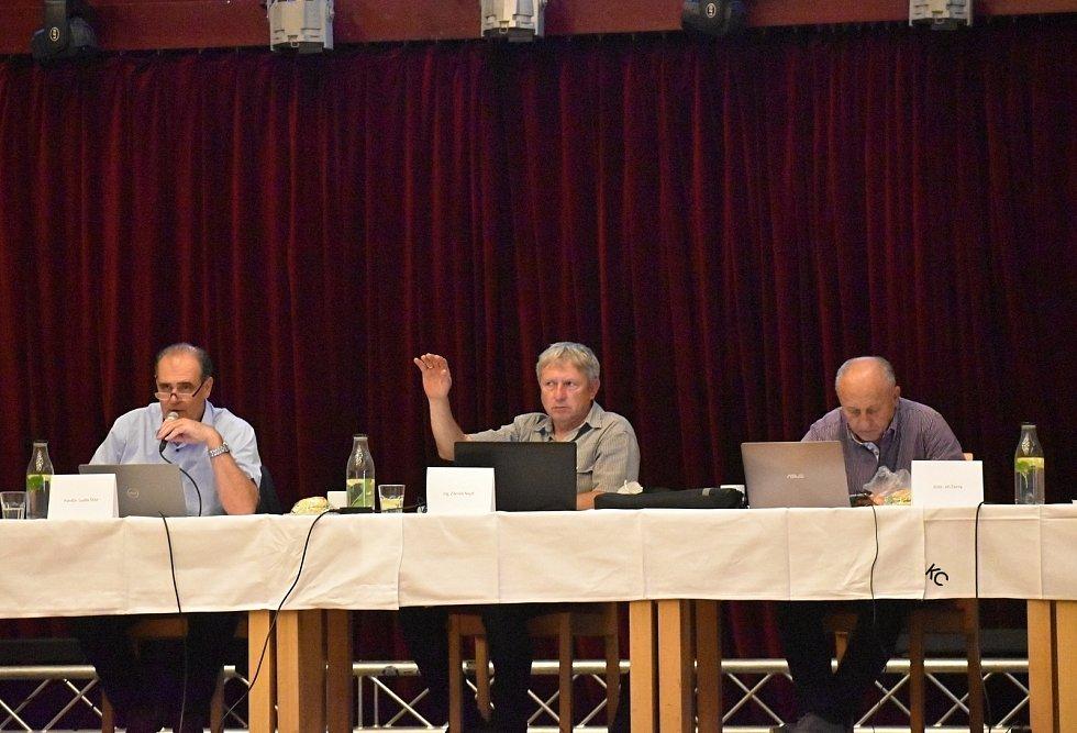 Třetí letošní zasedání rakovnických zastupitelů v Kulturním centru v Rakovníku.