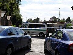 U budovy České pošty na vlakovém nádraží našel náhodný kolemjdoucí mrtvolu