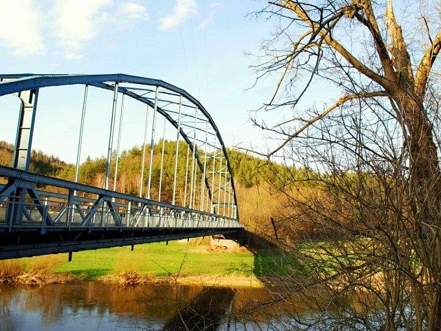 Most ve Skryjích.