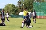 Z fotbalového utkání III. třídy Řevničov - Kroučová (0:1) a následných oslav postupu domácího mužstva