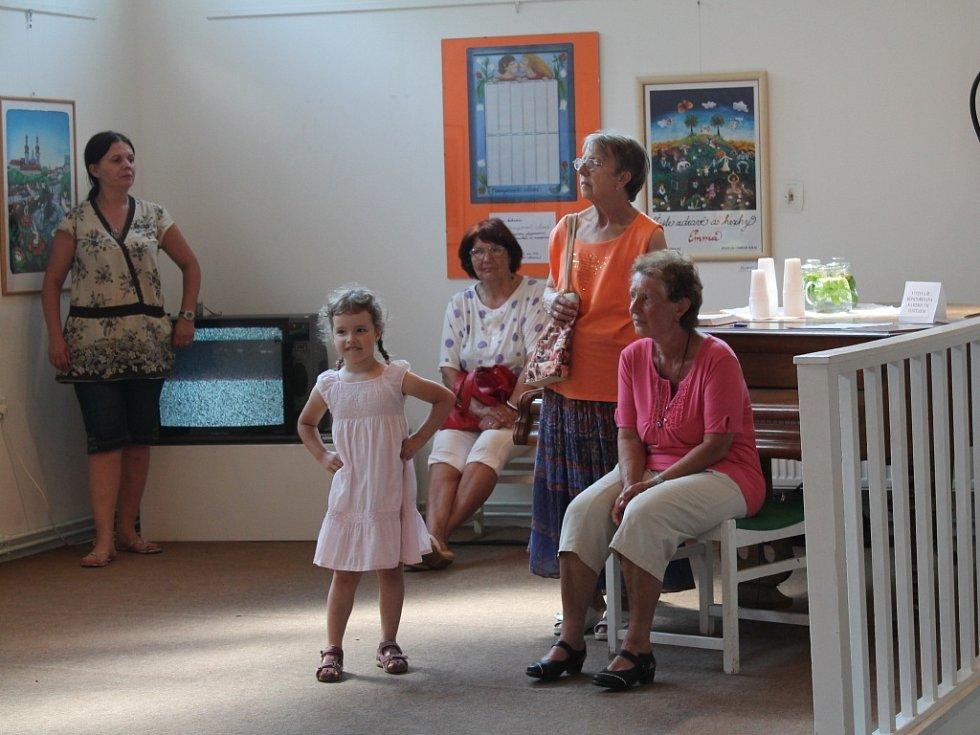Vernisáž obrazů Emmy a Barbory Srncových v rakovnickém muzeu