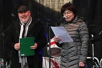 Komponovaný pořad 30 let svobody na Husově náměstí v Rakovníku.