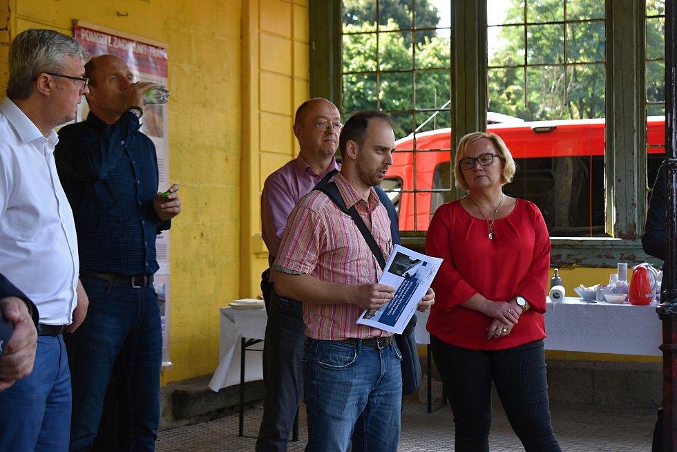 Na vlakovém nádraží v Čisté se 10. září 2021 uskutečnila veřejná debata nad rušením a omezením vlakových spojů, které se mj. zúčastnil i ministr dopravy Karel Havlíček.