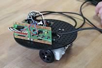 V ZŠ Mšec žáci sestavili robota a naučili ho i hýbat