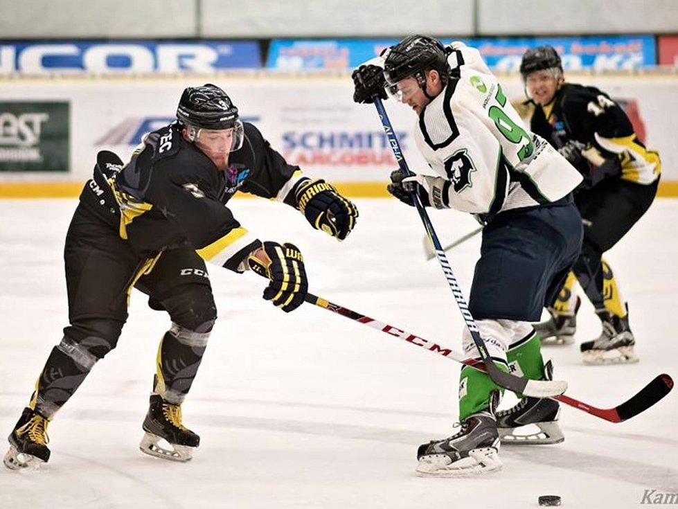 Hokejisté HC Rakovník vyhráli v Mladé Boleslavi 5:4 po samostatných nájezdech.