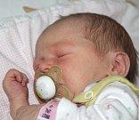 VIKTORIE MÜLEROVÁ, DŘEVEC Narodila se 20. prosince 2017. Po porodu vážila 2,78 kg a měřila 48 cm. Rodiče jsou Monika a Petr.