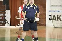 ANI S PŘIBÝVAJÍCÍMI lety Petr Procházka neztratil nic ze svého čichu na góly, což dobře ví i obránce Slavie Milan Kejklíček.