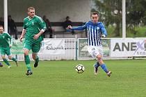 Z divizního fotbalového utkání Tatran Rakovník - Ostrov (1:3)