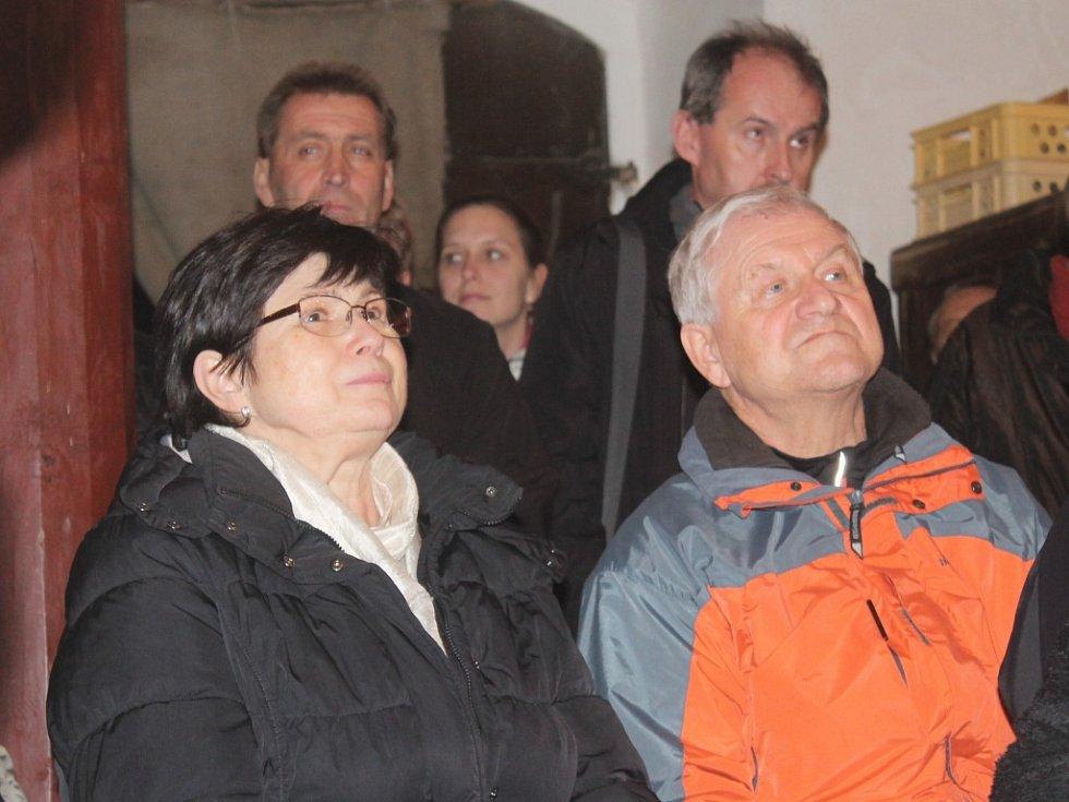Koncert Hradního Dua v kapli sv. Máří Magdaleny v Kostelíku