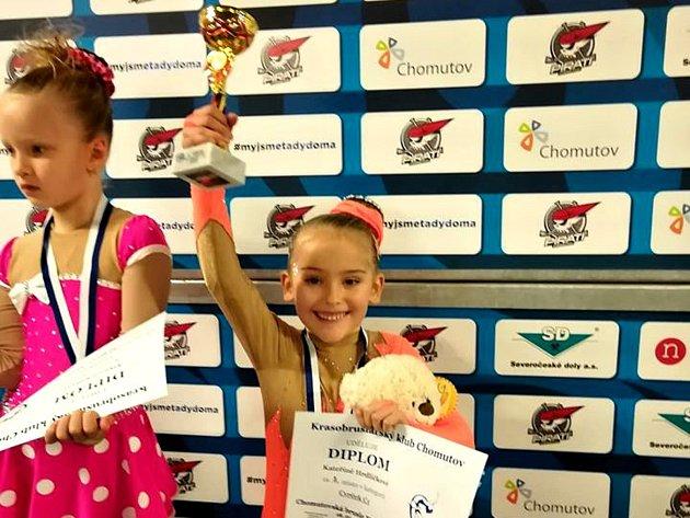 Rakovnickým krasobruslařkám se na závodech vChomutově dařilo. Lucie Šilerová získala zlato, Kateřina Hrdličková bronz.