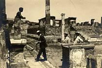 T. G. M v Pompejích roku 1927