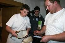 Pečení chleba v senomatské roubence