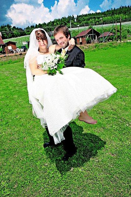 Novomanželé Michaela a Ondra Hejdovi