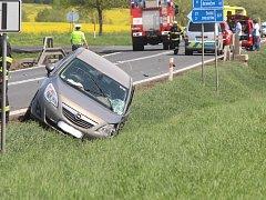 Dopravní nehoda se naštěstí obešla bez vážného zranění.