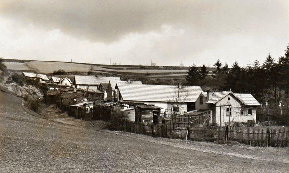 Vagonová kolonie pod Bendovkou ve dvacátých letech 20. století.