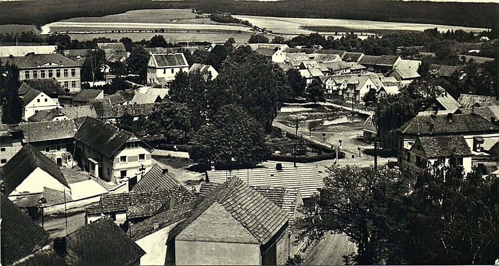 Pohled na Šanov z výšky v polovině 60. let 20. století.