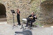 Duo Resonans opět hrálo návštěvníkům hradu Krakovec.