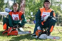 Radek Hokeš a martin Spousta v soutěži dřevorubec junior