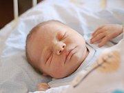 TOMÁŠ DOLEČEK, RAKOVNÍK. Narodil se 26. února 2018. Po porodu vážil 3.49 kg a měřil 51 cm. Rodiče jsou Petra a Michal. Bratr David.