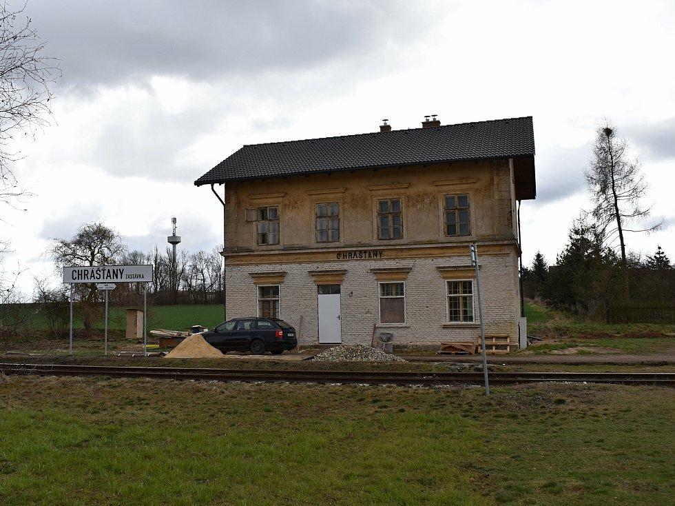 Nádražní budovu na Kolešovce vlastní soukromý majitel, který ji upravuje.