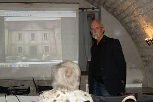 Přednáška o rekonstrukčních a restaurátorských prací v sále dr. Spalové v Muzeu T. G. Masaryka.
