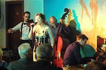 Na 59. ročníku Jazzového večeru letos zazněly také melodie z Osvobozeného divadla.