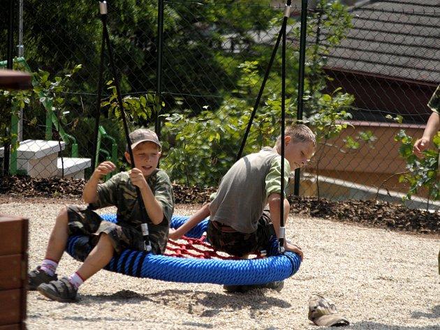 Otevření dětského hřiště na sídlišti Bendovka v Rakovníku